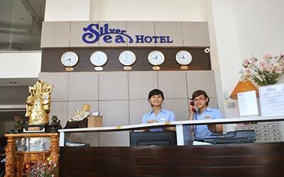 silver-sea-hotel-khong-gian-thanh-binh-ben-bien-my-khe