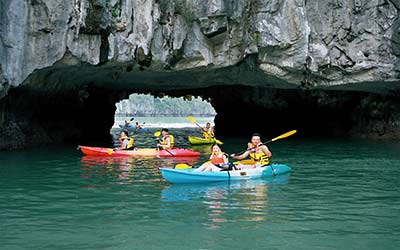 cheo-thuyen-kayak-du-lich-ha-long