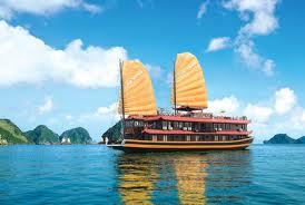 kham-pha-vinh-ha-long-tren-du-thuyen-oriental-sails