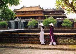 Đền đài lăng tẩm ở Huế
