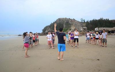 du lịch hải hòa với cac trò chơi trên bãi biển